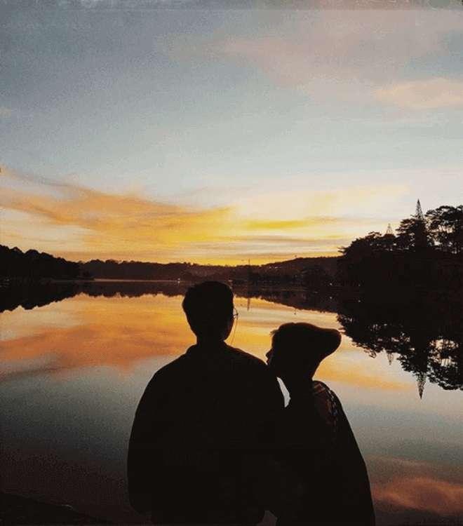 chụp ảnh ngược sáng dành cho cặp đôi