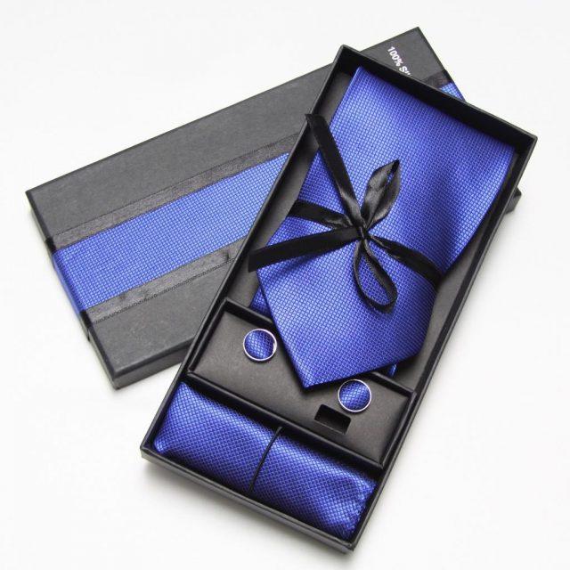 quà tặng sinh nhật cà vạt
