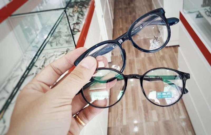 thị trường kính mắt