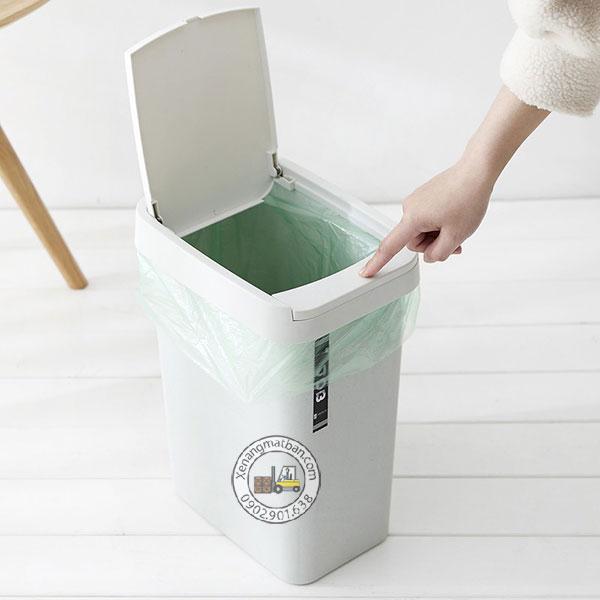 thùng rác nhựa mini