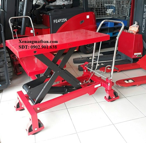 xe-nang-mat-ban-500kg
