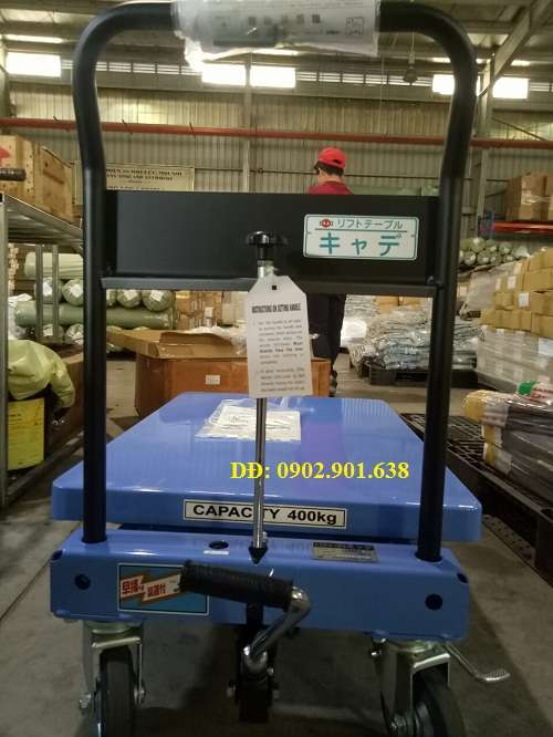 xe-nang-mat-ban-400kg