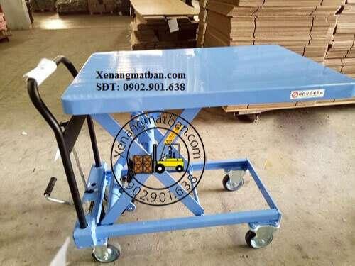 xe nâng mặt bàn 400kg