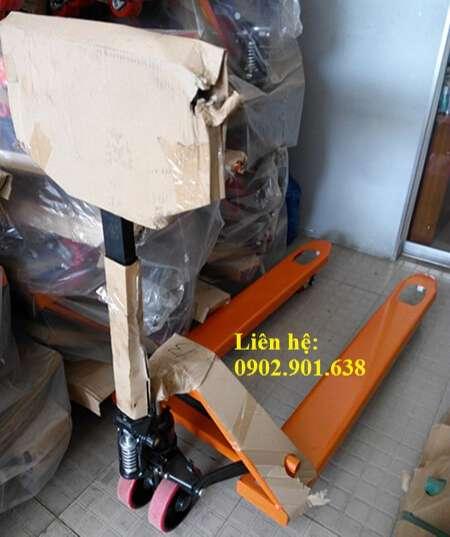 xe-nang-tay-thap-2500kg